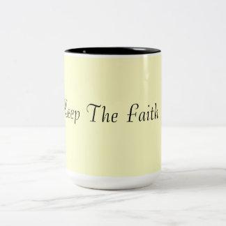 ¡Guarde la fe! Taza De Dos Tonos