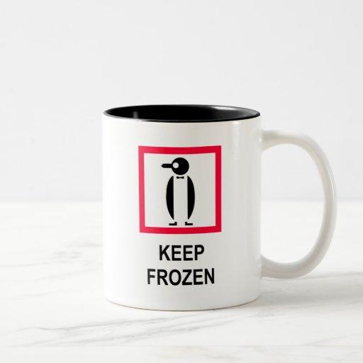 Guarde la muestra congelada con el pingüino taza de café