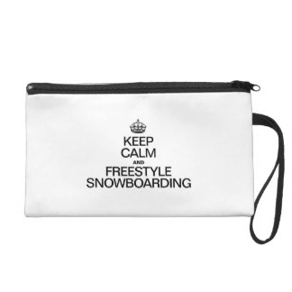 GUARDE LA SNOWBOARD DE LA CALMA Y DEL ESTILO LIBRE