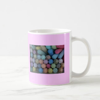 Guarde la taza colorida de la vida