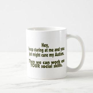 Guarde las habilidades sociales del autismo de la taza