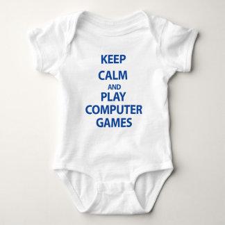 Guarde los juegos de ordenador de la calma y del remeras