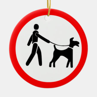 Guarde los perros en un símbolo de la ventaja adorno navideño redondo de cerámica