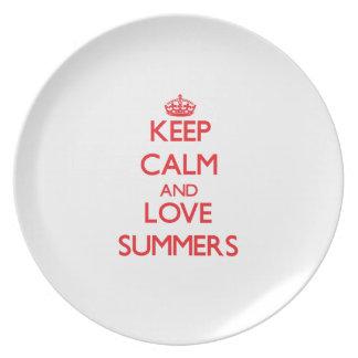 Guarde los veranos de la calma y del amor plato de comida