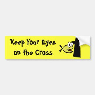 Guarde sus ojos en la cruz etiqueta de parachoque