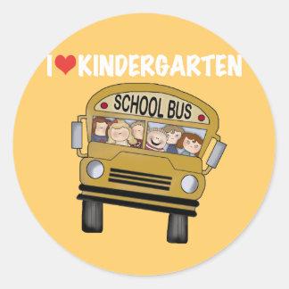 Guardería del amor del autobús escolar etiquetas redondas