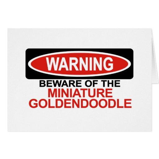 Guárdese de Goldendoodle miniatura Felicitacion