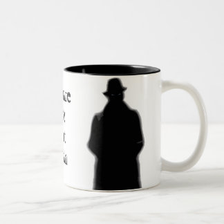 Guárdese de la taza del hombre del gorra