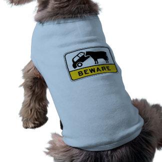 Guárdese de la vaca, señal de peligro del tráfico, camiseta de perro