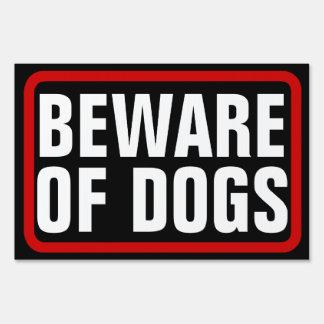 Guárdese de los perros muestra negra roja blanca