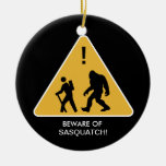¡Guárdese de Sasquatch! Ornamento De Navidad