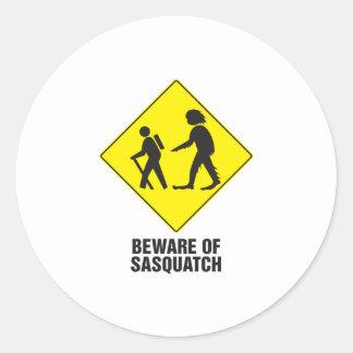 Guárdese de Sasquatch Pegatina Redonda