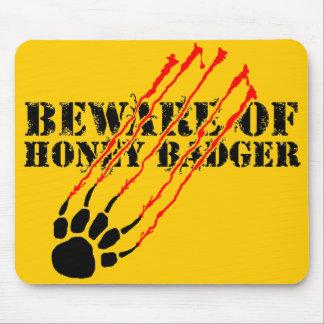 Guárdese de tejón de miel mouse pad