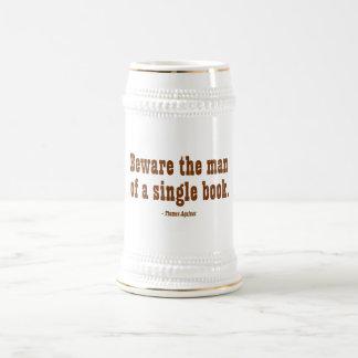 Guárdese del hombre de un solo libro jarra de cerveza