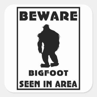 Guárdese del poster de Bigfoot Pegatina Cuadrada