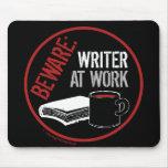 Guárdese: Escritor en el trabajo Tapete De Ratón