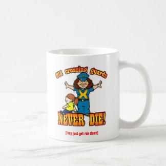 Guardias de travesía taza de café