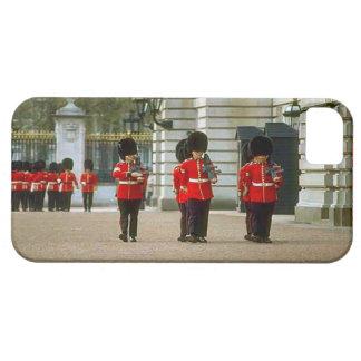 Guards at Buckingham Palace iPhone SE/5/5s Case