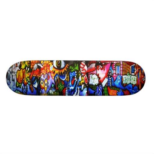 Guernica Street Art Skateboard