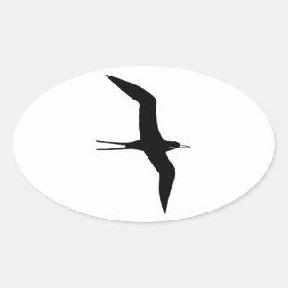 Guerra de O del hombre (frigatebird magnífico) Pegatina Ovalada