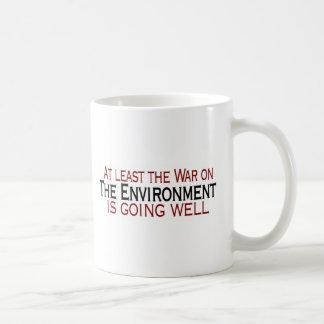 Guerra en el ambiente taza