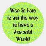 Guerra/odio contra paz pegatinas redondas