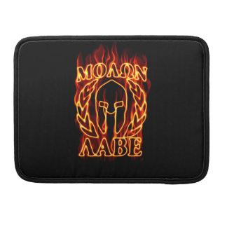 Guerrero espartano de Molon Labe en el fuego Funda Para Macbook Pro