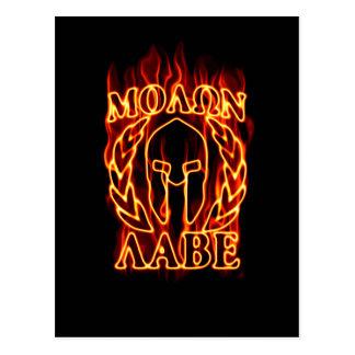 Guerrero espartano de Molon Labe en el fuego Postales