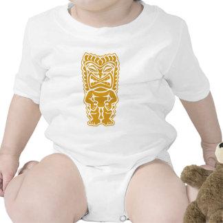 guerrero feroz del tótem del oro del tiki tribal camiseta