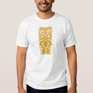 guerrero feroz del tótem del oro del tiki tribal playeras