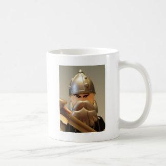 Guerrero mongol principal Minifigure de encargo Taza Clásica