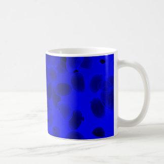 Guijarros de la fantasía en azul taza clásica