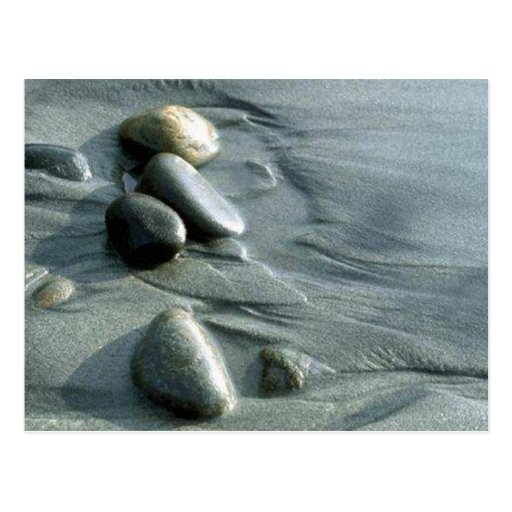 Guijarros en la playa tarjeta postal