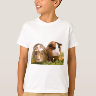 guinea pigs one has lawn T-Shirt