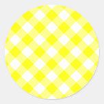 Guinga amarilla y blanca etiqueta redonda