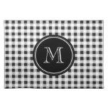 Guinga blanco y negro, su monograma mantel individual