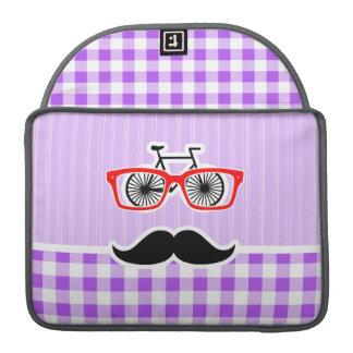 Guinga divertida de la púrpura del bigote del inco fundas para macbook pro