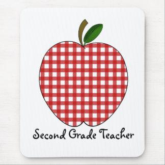 Guinga roja Apple del segundo profesor del grado Alfombrillas De Ratón
