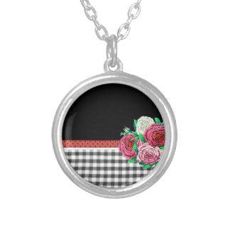 Guinga y flores negras collar personalizado