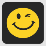 Guiño de la cara sonriente calcomania cuadradas personalizadas