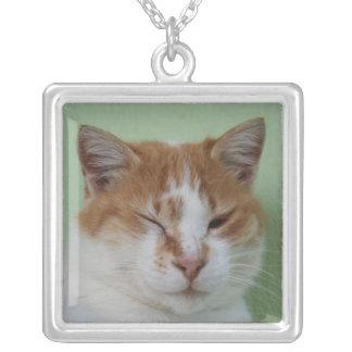 Guiño lindo del gato del color del BI Colgante Cuadrado