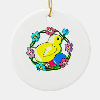 guirnalda colorida del polluelo amarillo de adorno redondo de cerámica