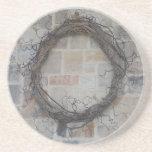 Guirnalda de la vid en la chimenea de piedra posavasos personalizados