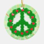Guirnalda de los corazones de la paz del navidad ornamentos de reyes magos
