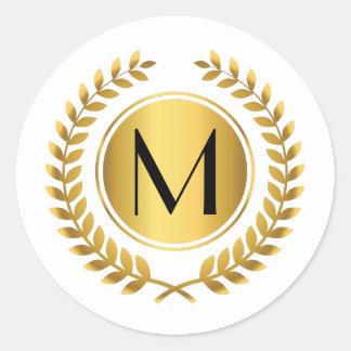 Guirnalda de oro del laurel con monograma pegatina redonda