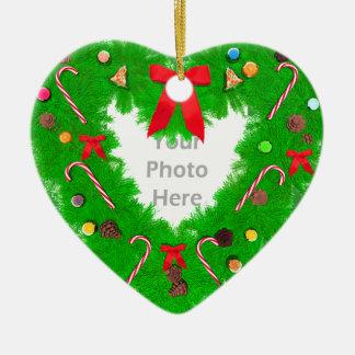 Guirnalda del corazón del navidad (marco de la fot ornamente de reyes
