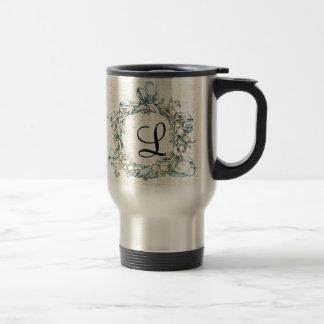 Guirnalda floral con monograma taza de café