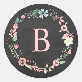 Guirnalda floral del monograma de la pizarra del pegatina redonda