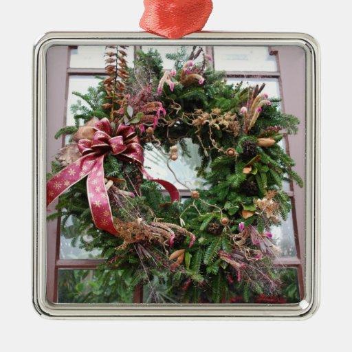 Guirnalda hermosa del navidad adorno cuadrado plateado