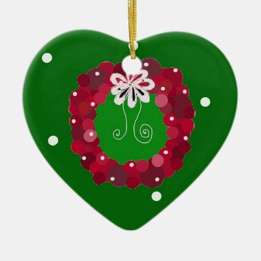 Guirnalda roja festiva del navidad adorno navideño de cerámica en forma de corazón